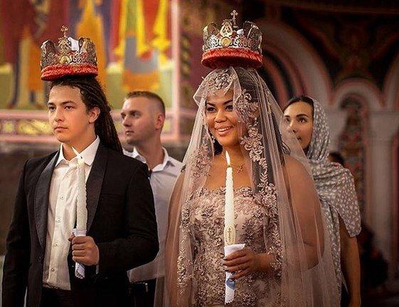 корнелия манго фото свадьбы торговля оптовая