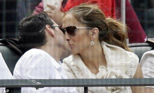Марк Энтони: жена певца приняла решение развестись из-за поцелуя с Дженнифер Лопес