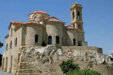 Форт Пафоса - одно из самых популярных туристических мест Кипра