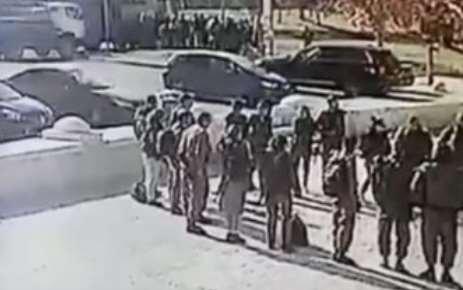 Грузовик протаранил толпу в Иерусалиме - видео момента теракта попало на YouTube