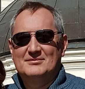 Рогозиным опубликован кадр с «главным хакером России»