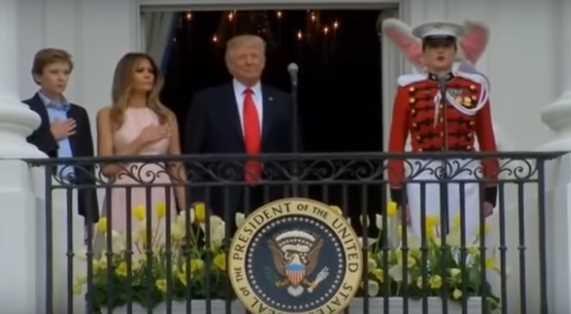 Дональд Трамп не положил руку на сердце во время исполнения гимна
